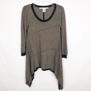 Max Studio I Sweater With Longer Sides Scoop Neck